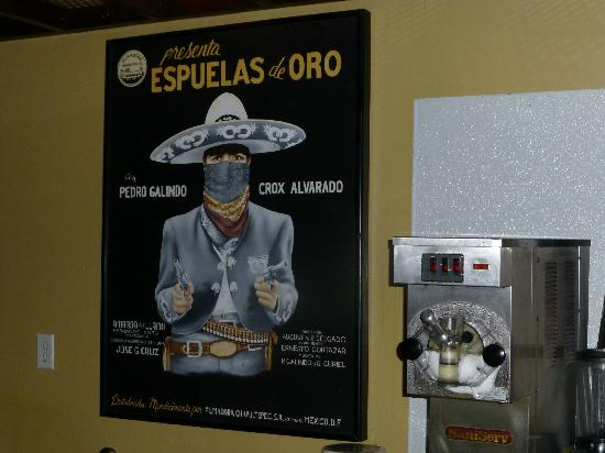 Maracas cocina mexicana: One of several wonderful posters