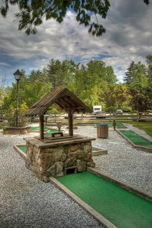 Foxhunt at Sapphire Valley: Mini Golf