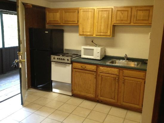 Country Barn RV Park : Full Kitchen