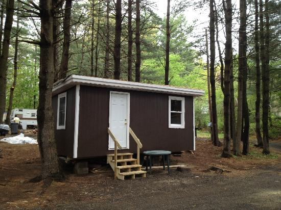 Country Barn RV Park : Nice New Cabins