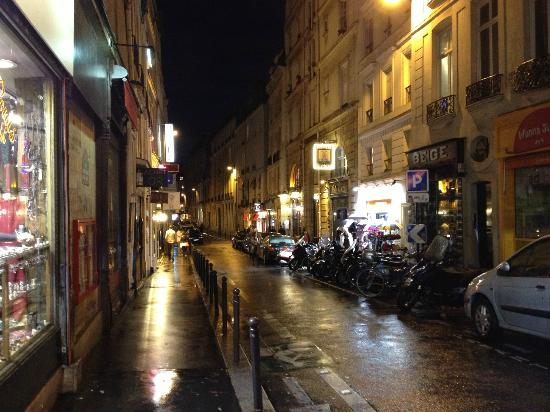Hotel de Seine: Rue de Seine - Street where hotel is located