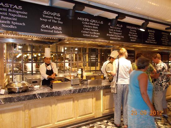 Elegance Hotels International, Marmaris: Chefs cooking fresh food daily