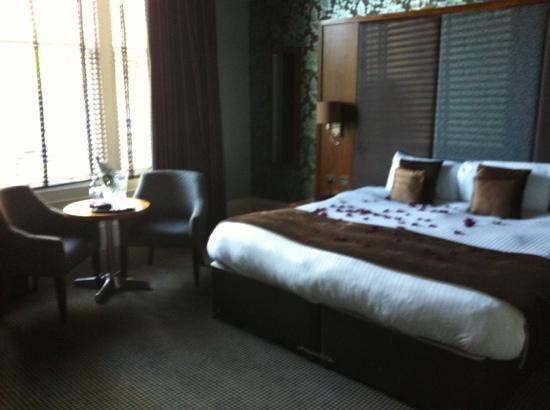 The Dunstane Hotel: room 205... modern and very clean!