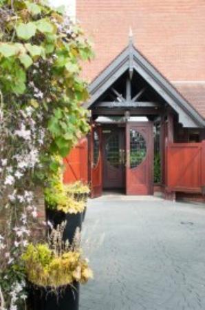The Walled Garden Bistro Restaurant: The entrance