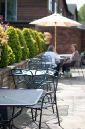 The Walled Garden Bistro Restaurant: Al Fresco dining!