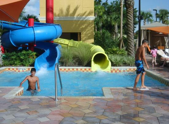 Fantasy World Club Villas: fun at slides