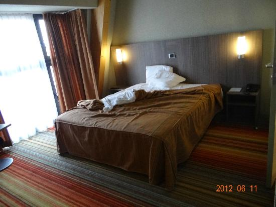 Hotel Alma Grand Place: My bed