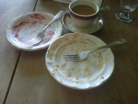 Temple Bar: An Americano and two desserts finished the lunch off nicely.