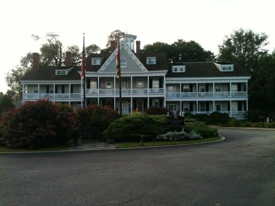 Waterfront Historic Kent Manor Inn: kent manor