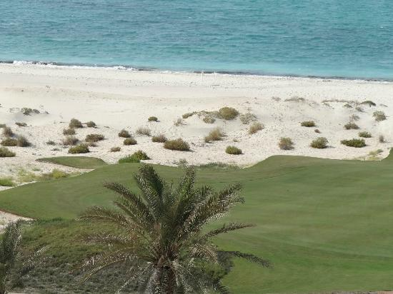 The St. Regis Saadiyat Island Resort: Beach