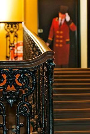Druzya on Nevskiy Hostel: Entrance door