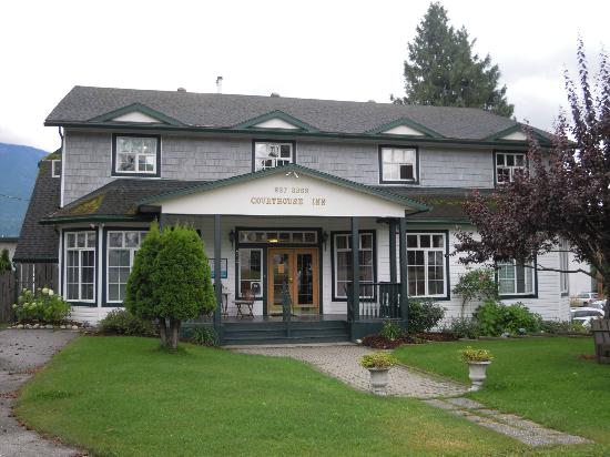 ‪‪Courthouse Inn Revelstoke‬: Courthouse Inn Revelstoke