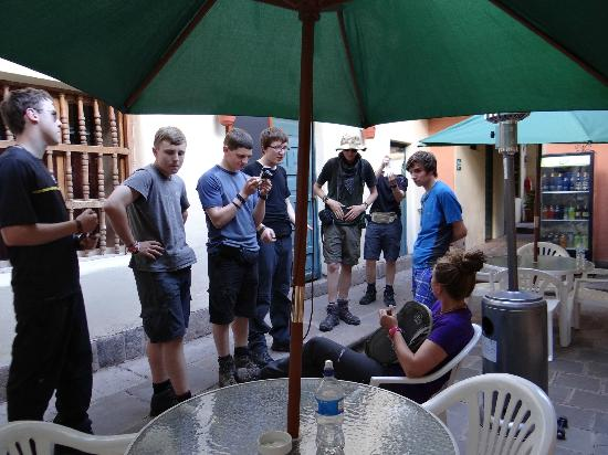 Hitchhikers Backpackers Cusco Hostel: Patio 1