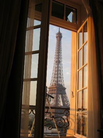 Shangri-La Hotel Paris: Good morning