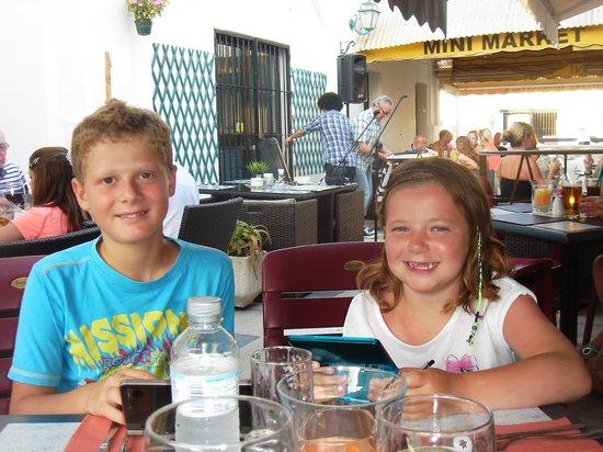 Henleys: Danys and Katie