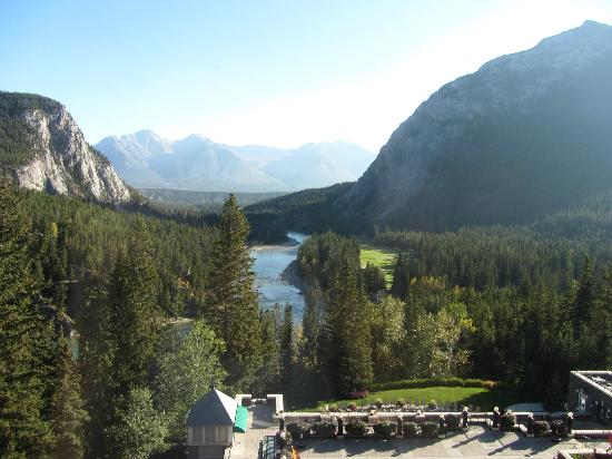 The Fairmont Banff Springs: Looking out the back of the hotel down the Bow River