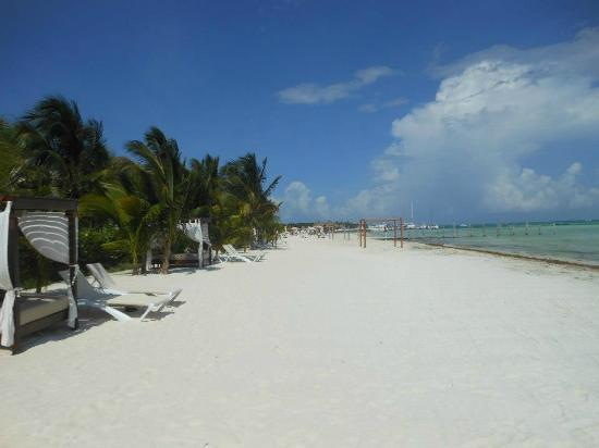El Dorado Maroma, a Beachfront Resort, by Karisma: white sand