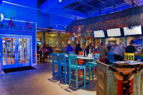 Hurricane Grill & Wings: Mood lighting on the patio
