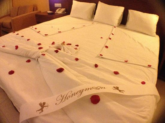"Now Larimar Punta Cana: Honeymoon ""Turn Down"" service"