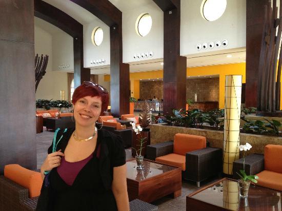 الآن لاريمار بونتا كانا - أول إنكلوسيف: Hotel Lobby 