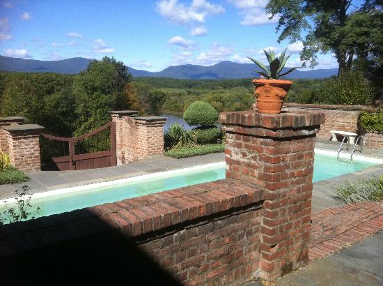 Chateau and Tudor Rooms, Saugerties Bed and Breakfast: View off the pool and the Carskills