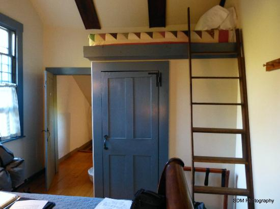 Grist Mill House: There is an extra single loft bed in the Kedron room.