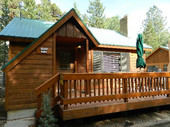 Double Eagle Resort and Spa: Front view of the cabin