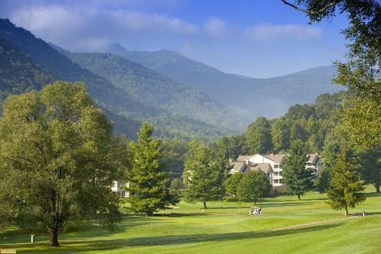 Maggie Valley Club & Resort: Just minutes from the Blue Ridge Parkway
