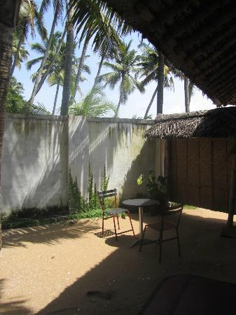 Les 3 Elephants Cherai Beach: Private Garden Bungalow no 2