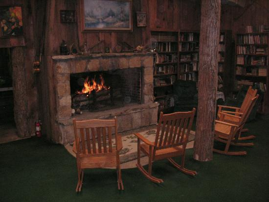 Arrowmont Stables & Cabins, LLC: Fort - Rustic Rock Fireplace