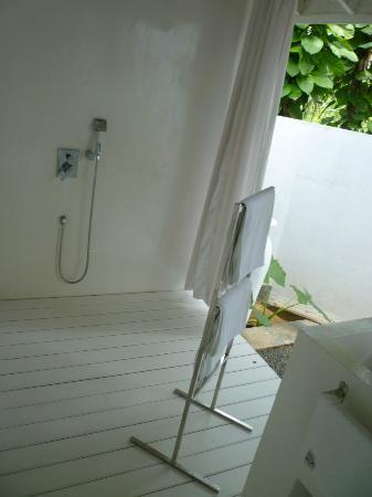 W15 Escape: shower area
