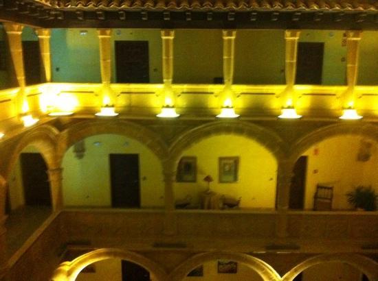 Palacio de los Salcedo: patio interior