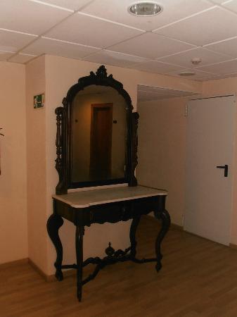 Hotel Metropol: Corridoio piano camere