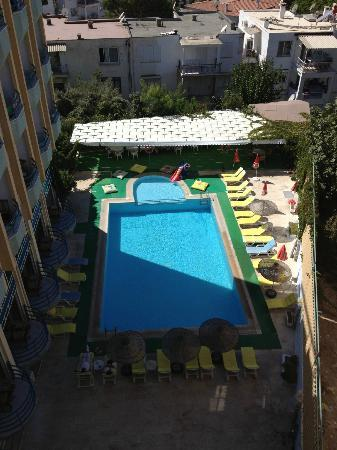 Hotel Albora: The pool