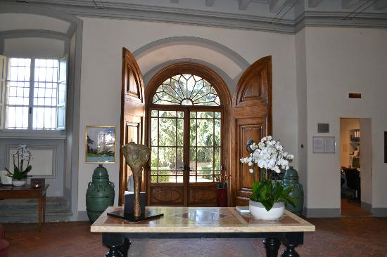 Castello del Nero Hotel & Spa: Beautiful entrance