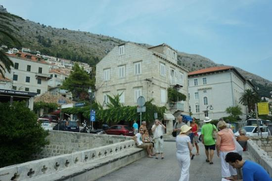 Dubrovnik Bed and Breakfast: Dubrovnik B&B Just Outside the Old Town Gate