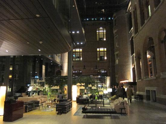 Conservatorium Hotel: Lobby. Very attractive blend of old & new.
