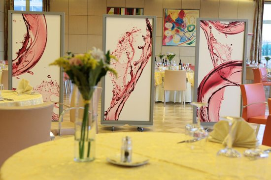 Aquattro Restaurant : particolare della sala grande