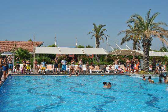 Good Pool entertainment