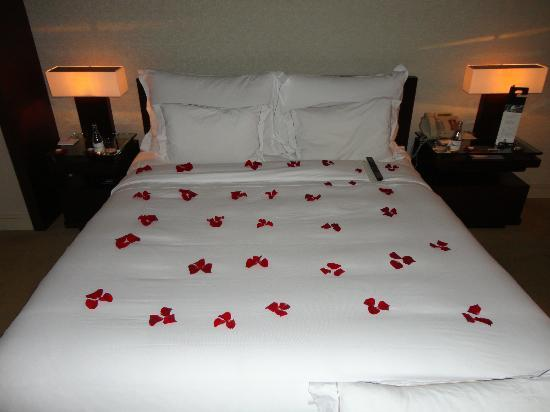 Hotel Arts Barcelona: King Bed