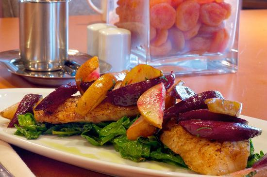 Elements on Hollis : Local and sustainable seafood dishes