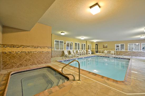 Sleep Inn & Suites: Swimming Pool & Spa