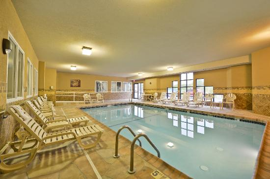 Sleep Inn & Suites: Pool and Spa
