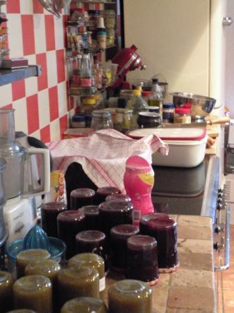 L'epicerie - Une chambre en ville: Marmellate in preparazione