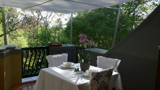 Mont D'or Bohemian House: Our new patio where you can enjoy a wonderful breakfast