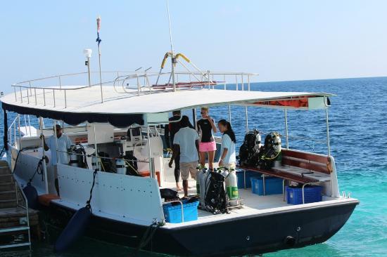 Anantara Kihavah Maldives Villas: Dive Boat