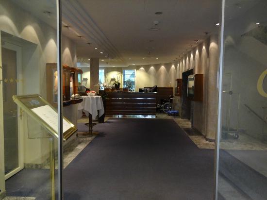 Hotel Glaernischhof: toegang