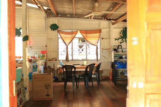 Fuze Ecoteer Community House: The lovely inside of the house