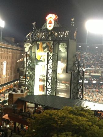 Hilton Baltimore: View of Camden Yards from Hotel 4th Floor Balcony
