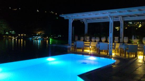 Nissaki Boutique Hotel: piscina